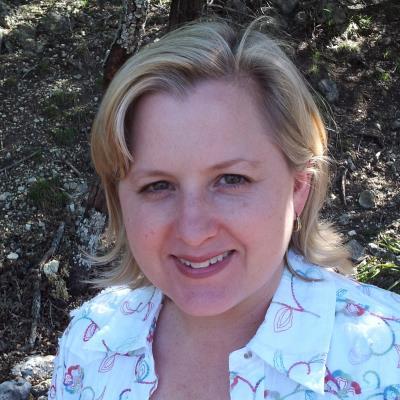 Nancy Headshot